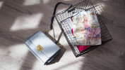 К летнему наряду необходимо подобрать подходящую сумочку