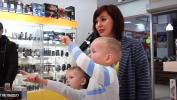 Прогулка Ксении Чернядьевой по ТРЦ МАКСИМУМ