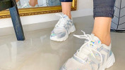 Кроссовки перестали быть просто обувью для спорта, а перекочевали в наш повседневный гардероб