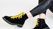 Грубые ботинки или женственные ботильоны?
